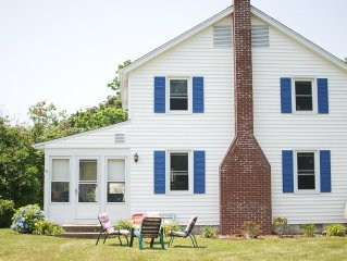 Updated Vintage Beach House -Spacious yard and view of Long Island Sound-
