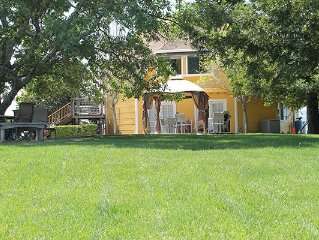 10 Acres with 360° Views - Kid Friendly + Nursery
