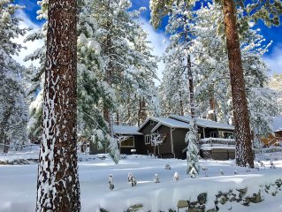 Whispering Pines Cottage: Luxury 1BR+1BA; Sleeps 2 Max; WiFi & DirecTV