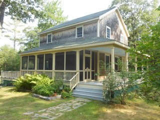 Maine Cottage in Round Pond: Private and Lovely
