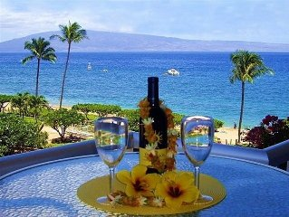SPECTACULAR OCEAN & BEACH VIEWS! Gorgeous Studio. Whale Watch From Your Lanai!