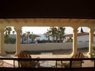 Gated Estate for Privacy- Beautiful Beach House 50 Yards to Beach
