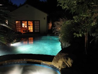 Beautiful Cottage with Pool and Jacuzzi Right Out Your Door