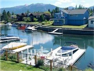 Fabulous Waterfront Home-Spa-Home Theater-Pool Table-Hockey-Wifi-Mountain Views