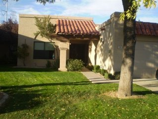 Chandler Townhome Close to Tempe & Mesa