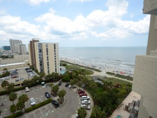 Charming Ocean-View Condo: Perfect Get-away