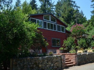 Wine Country Getaway On The Russian River Just 5 Minutes From Healdsburg Plaza