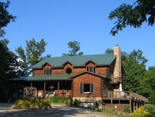 Mountaintop Log Home Near Watauga Lake With Amazing views