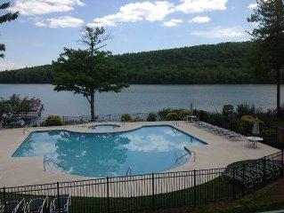 Big Boulder Condo Rental 2 bedroom 2 Bath Lakefront,  Free Wifi
