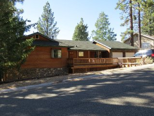 Family & Pet Friendly Cabin - Fall is a great time to visit! $150/night