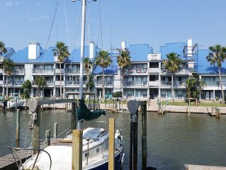 Waterfront spacious 1/1 right down the street from Schlitterbahn!