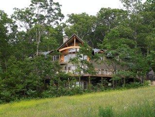 Luxury ski-in ski-out 6 bedrooms 4.5 bath, beautiful mountain home
