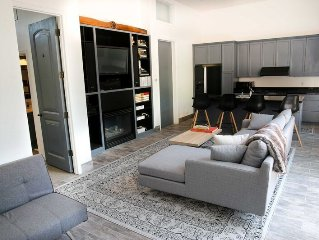 Penthouse in the Aspen Core2bdr/2bath, Roofdeck with Hottub.