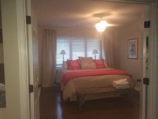 Sea Pines! Remodeled, centrally located, bikes, community tennis and pool-sleep