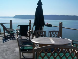 Breathtaking Waterfront View Home, Great for Large Groups