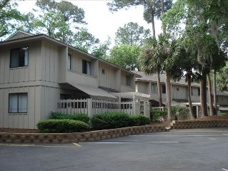 Updated 2BR/2BA...4 Beach Bikes, Short Walk to Beach, Wifi,  Pool & Grill