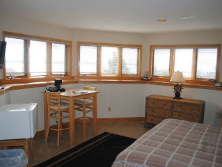 Pilot House - Dtn Bayfield Lake View Suite, Private Bath, Crew's Quarters