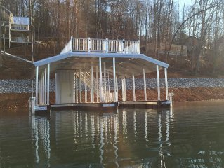 New 2015, Beautiful Spacious Lakefront Home, with Gigantic Decks!