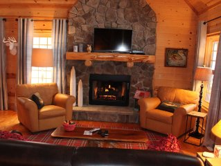 Luxury Cabin Retreat. Perfect for Family Fun or Romantic Get Away