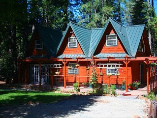 STORYBOOK COTTAGE NEAR LASSEN - SECRET GETAWAY IN THE WOODS