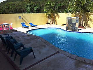 Custom Home W/Large fenced Pool on Rt. by Ocean, 1 minute to Beach & Restaurant!