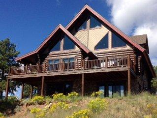 CRIPPLE CREEK/Luxurious Log Home, Privacy, Stunning Views