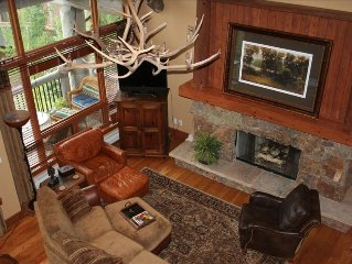 Ski-In Ski-Out Stunning Mountain Condo at Bachelor Gulch