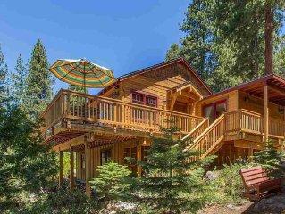 Family / Couples Cozy Lakeview Escape: Superb Location + Enjoyable Amenities