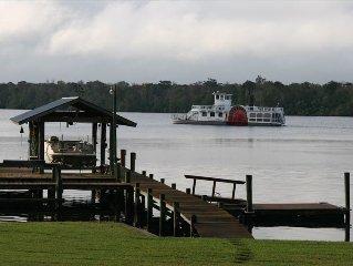 St Johns River Front Home Huge Deck, Dock & Boathouse &  Wifi