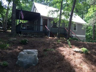 Mountain Cottage-River access, close to Helen, Cleveland, Clarksville, wineries