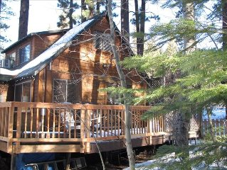 Cozy Creekside Cabin 3 Blocks from Heavenly Main Lodge with Hot tub!