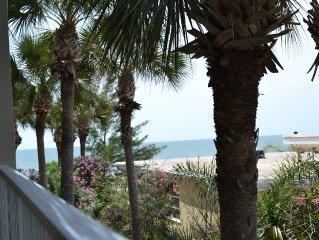 Beautiful condo on the Beach!