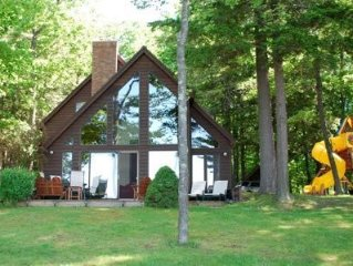 Beautiful lakefront home on Little Glen, minutes from charming Glen Arbor