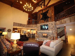 Make Awesome Memories with family and friends in this Luxury Mountain Lodge!