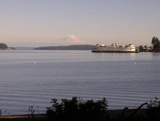 Pearl's Beach House - Point White/Lynwood, No-Bank waterfront, Mt. Rainier View