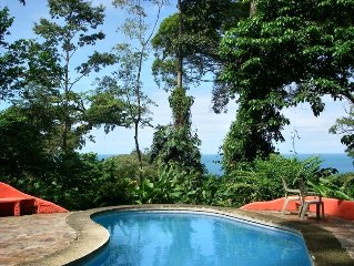 Where the Wild Things Are! Ecclectic Seaview Villa,Pool and  Rainforest Preserve