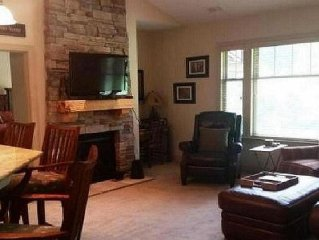 Winter Fun!!! Enjoy all the amenities of the country club in mountain privacy!