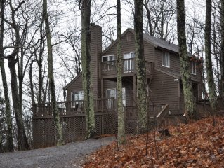 Mountain Home, Wintergreen Resort, Near Everything, Pet Friendly, Seasonal Views