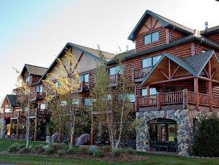 Luxury Vacation Rental Located On Voyageur Lake - Sleeps Up To14 & 28