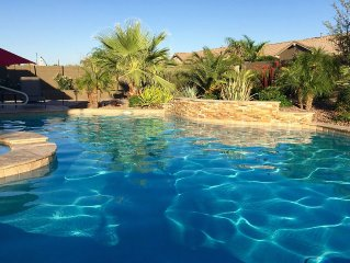 Luxury Home Heated pool/spa, putting green, pool table, misting system