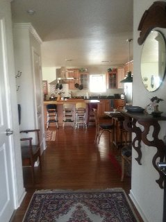 Beautiful Lake Hamilton home with 5BR, 3B in Hot Springs 15 minutes from Oaklawn