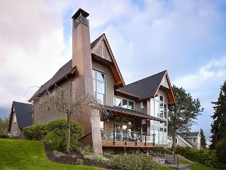 West Seattle Carriage House...Water View