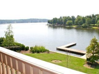 Luxury Waterfront 1 BR/1 Bath Suite on Lake Oconee. Can't beat this location!!!!
