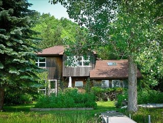 Quiet Paradise: Beautiful Little Stoney Lake-Front Home -- Winter Season Rates