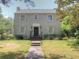 Downtown/Payne St 4 BR/3BA House 5 Queen Beds! 1/