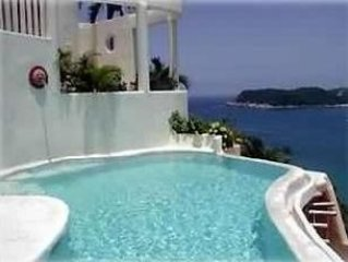 Summer Special!!  Only $240/night---Villa w/ Beautiful Views Close to Everything