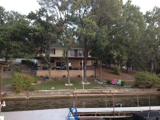 ⛵️Liquid Relaxation. Lake Front Home Takes You Away from it All! �