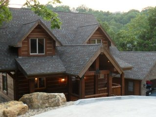 Wild Bill-Lakefront Log Home