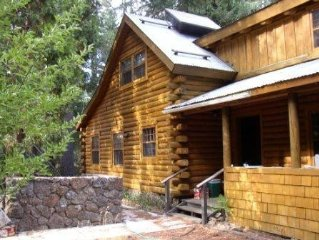 Charming Log Home at the Door to Lassen National Park.