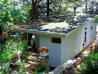 Cozy Romantic Cottage